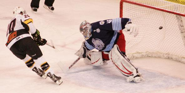 Cyclones Knock Off IceMen in Shootout, 3-2