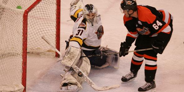 Komets Sneak Past Cyclones in Shootout, 2-1