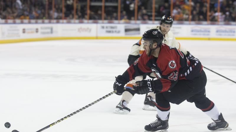 CYCLONES DOWNED BY ECHL LEADERS