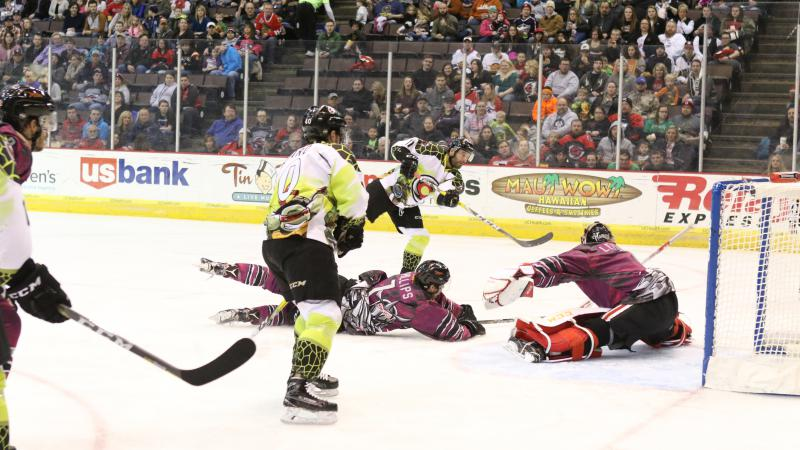 RECAP: CYCLONES OUTLAST FUEL IN FRONT OF PACKED HOUSE